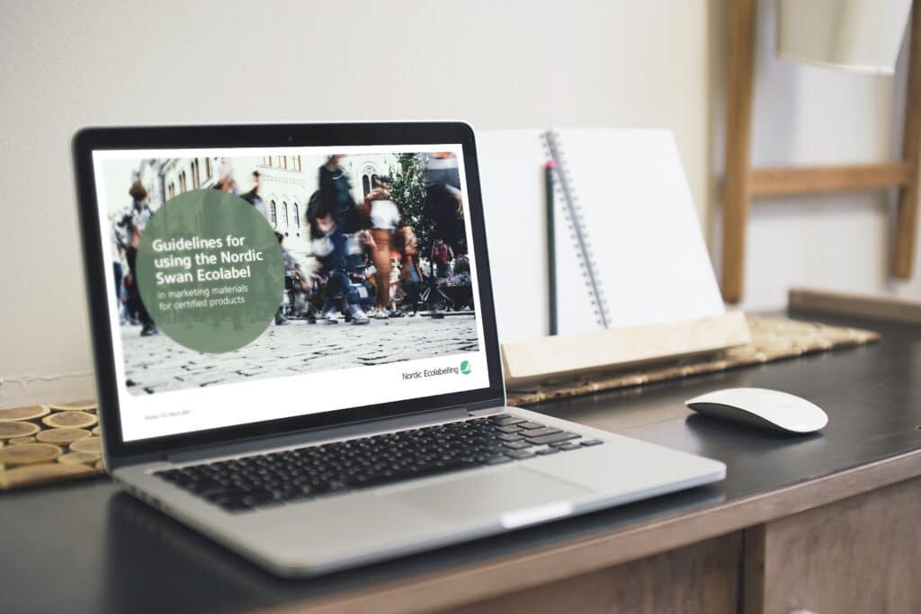 PC med oppslag på Guidelines for using the Nordic Swan Ecolabel